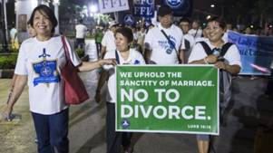Anti-divorce protesters